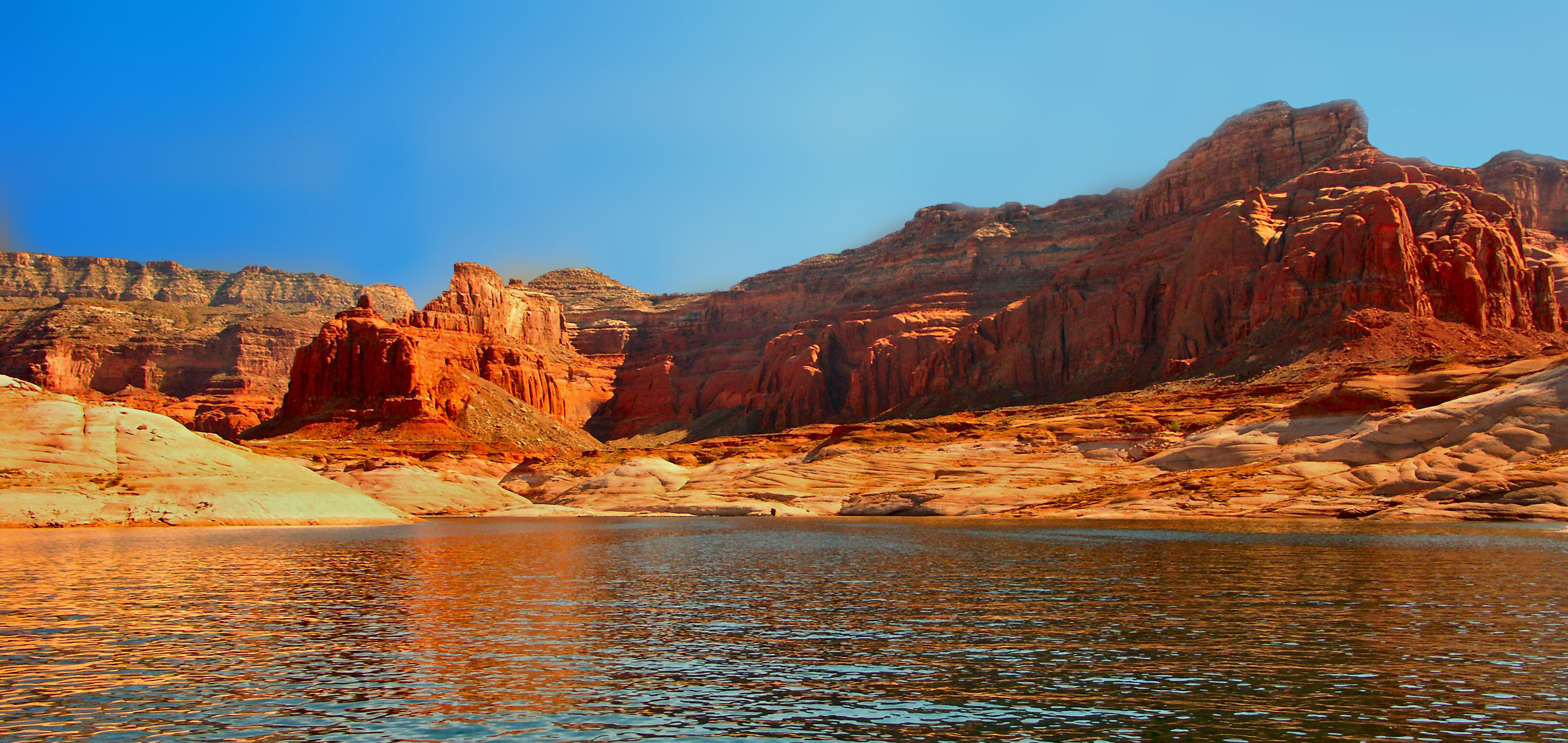 lake powell dating site Some 3 million people from around the world visit the lake powell and page, arizona area annually the average 4-5 day length of stay is the longest of any federal park the crystal-clear lake.